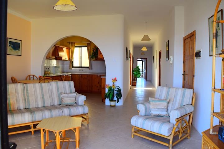 2 Bedroom Apartment in Qala countryside with Views