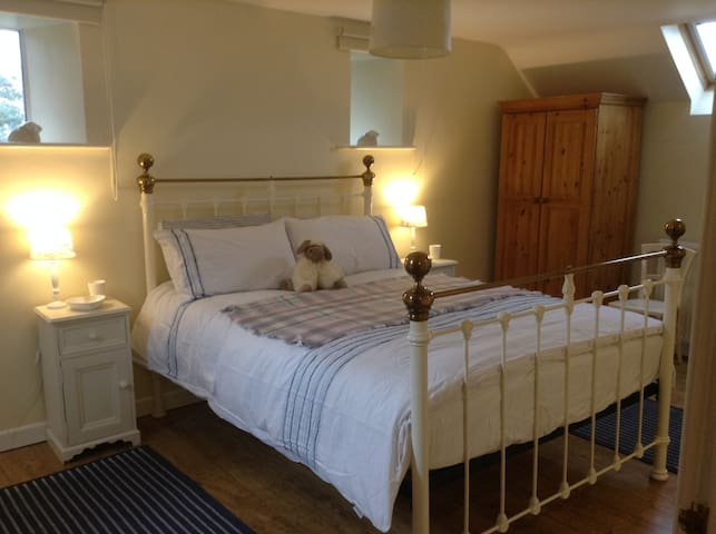 Country  en-suite - Nun Monkton - House