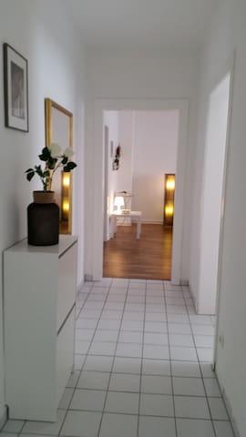 Mit Liebe eingerichtete Wohnung in zentrale Lage!