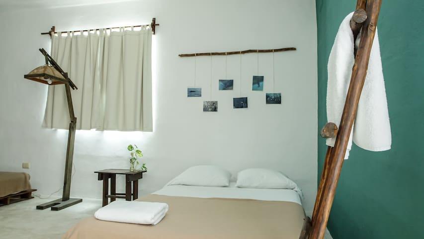 Hab c/baño privado-2 camas dobles A