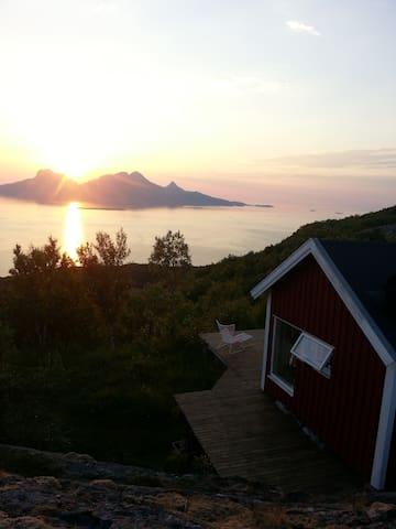Sjarmerende hytte med flott utsikt! - Bodo - Cabana