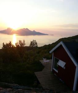 Sjarmerende hytte med flott utsikt! - Bodo