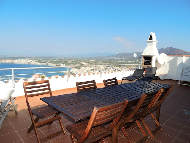House for rent in Roses with sea views and pool-MIRADOR