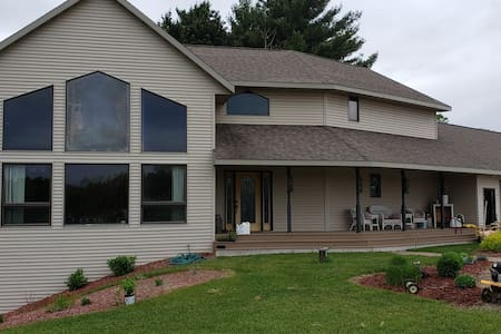 EAA Large Group House, Camping & RV Accommodations