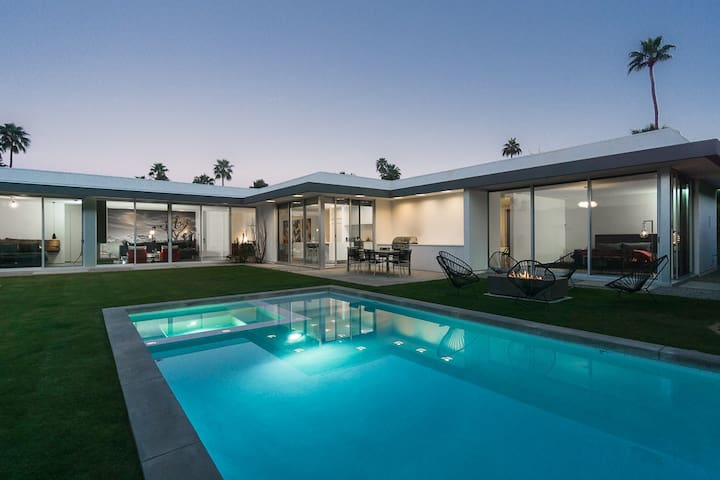 Newly Constructed Modern Retreat - Palm Springs - Dom