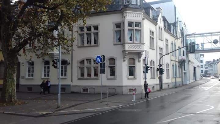 Tolle Altbauwohnung  in bester Citylage