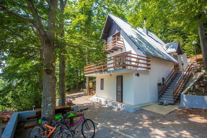Two-Bedroom Holiday Cottage Vanda in Gorski Kotar
