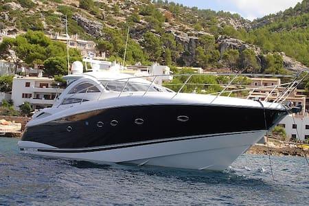 Luxuriöse Sunseeker Portofino 53 - El Toro