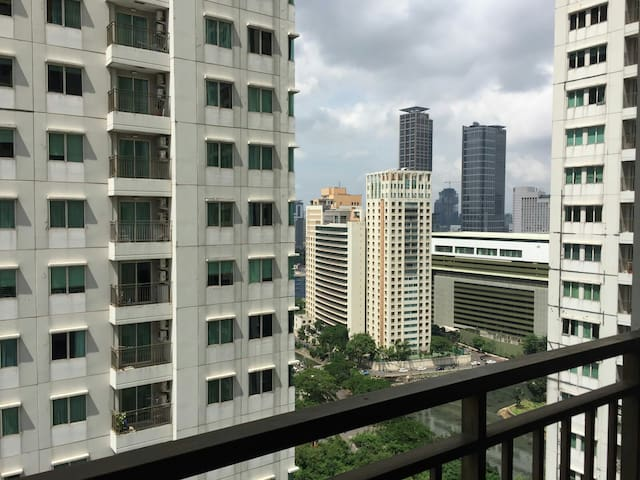 Clean and Cozy place at Thamrin Residence