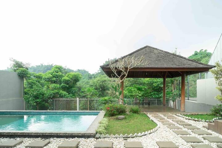 Villa Trinity 17i near Kampung Daun Bandung