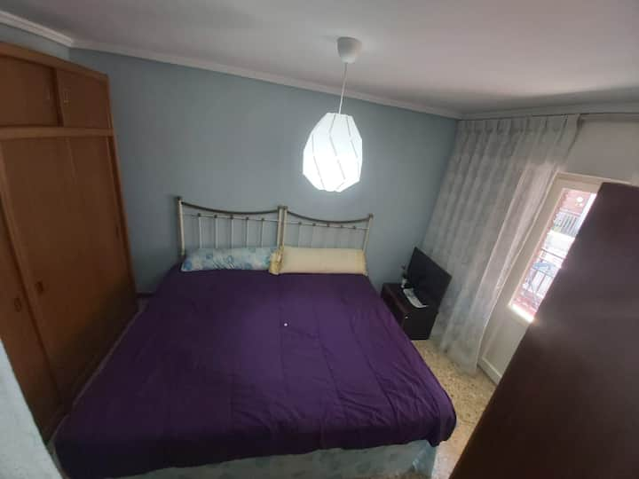 Spacious room with balcony close to the University