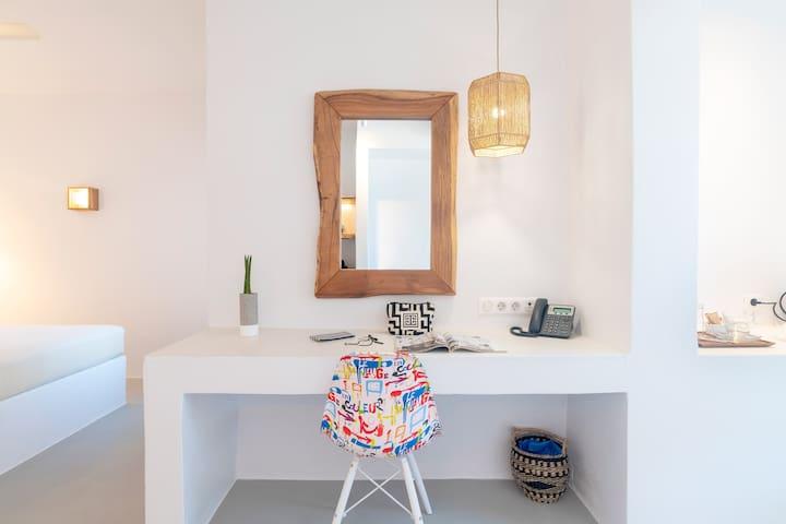 Paros Comfy - Double Suite with Private Garden