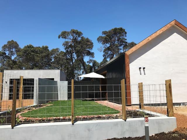 Cowaramup Eco Studio