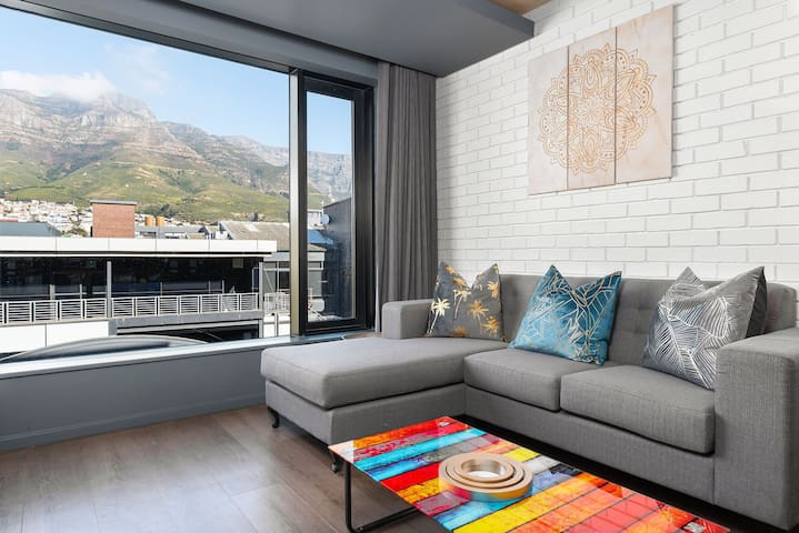 Picturesque studio apartment near the Biscuit Mill