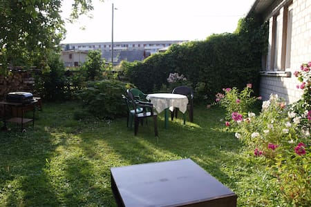 garden place for your tent with WIFI - Pärnu - Tent - 2