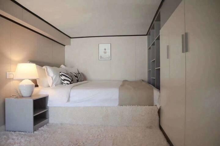 精装整租loft,近3/4/12号线地铁口,小资生活情调,3999的房子七八千的品质。