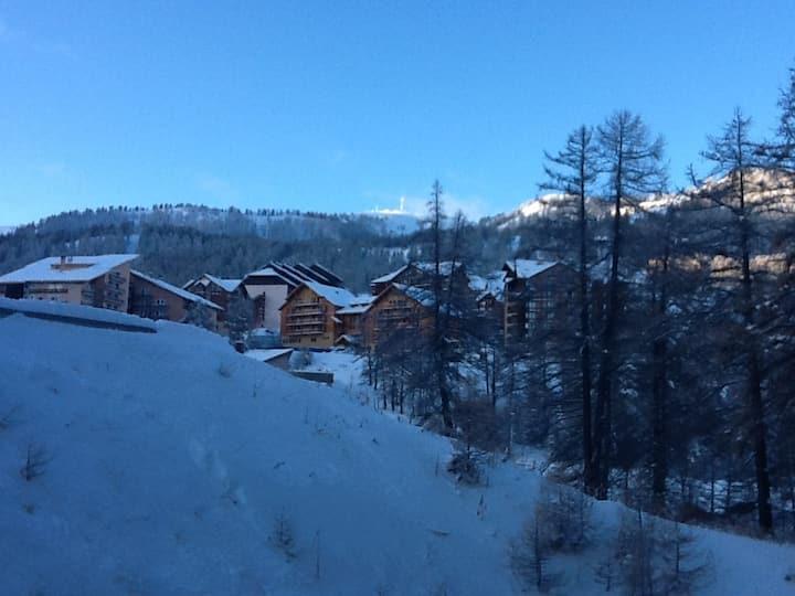 Appart Risoul ski 1850 hiver/été WIFI privatif