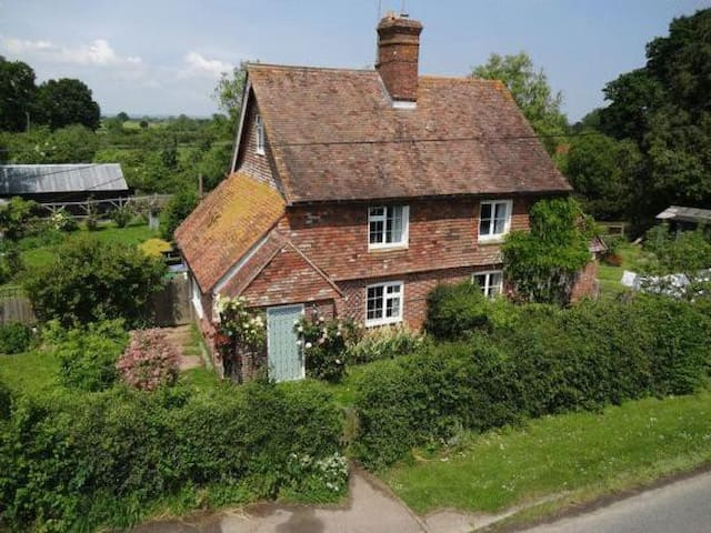 Kentish cottage with double room and bathroom - Kent - Haus