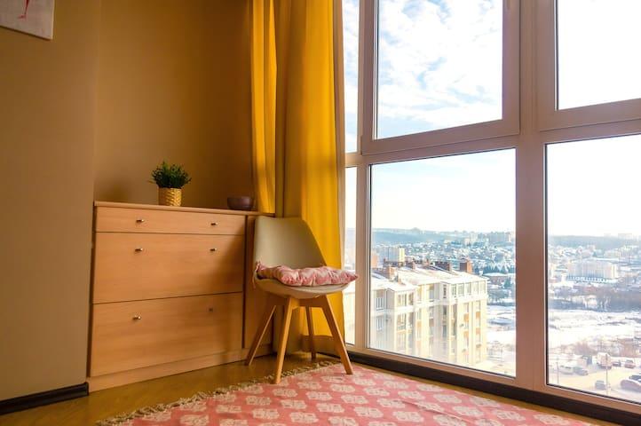 Просторная 2-к с панорамными окнами у ЗАЛИВА