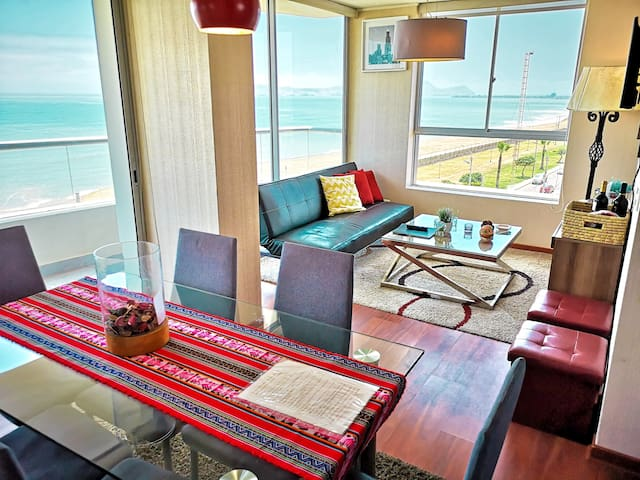 Oceanfront Apartment ️with Lovely Sunset views180°