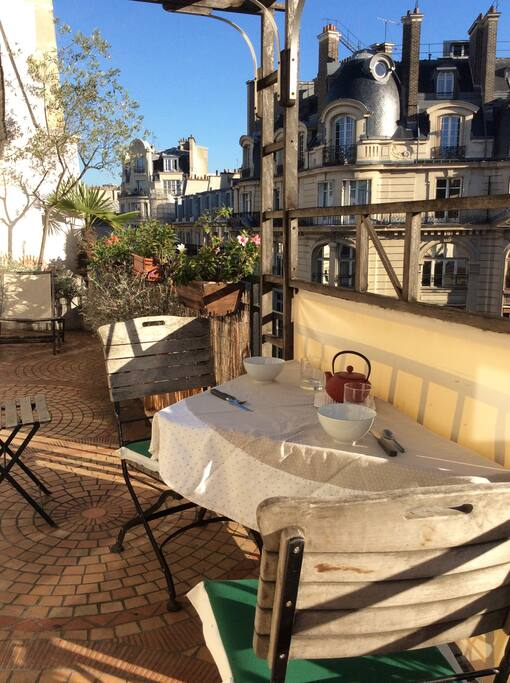 Enjoy your breakfast outside