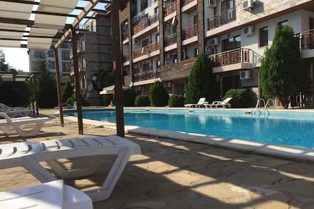 Lovely Studio Apartment in St Vlas