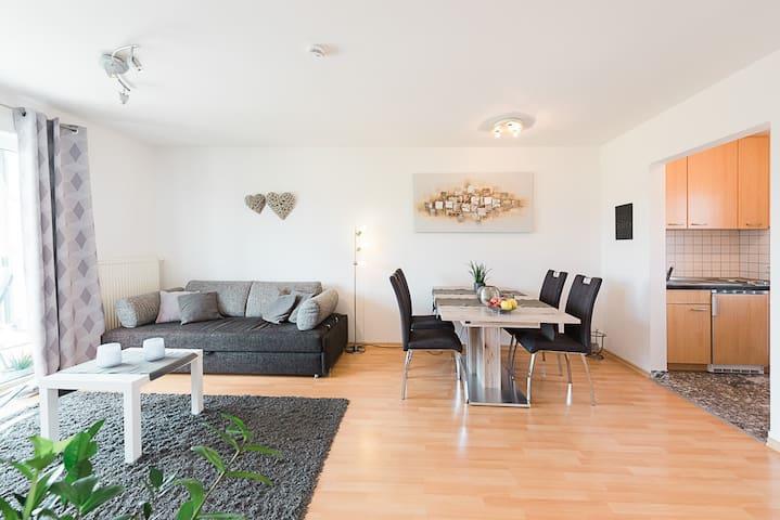 Weingut Briem, (Ihringen-Wasenweiler), Ferienwohnung 1, 50qm, 1 Schlafzimmer, max. 3 Personen