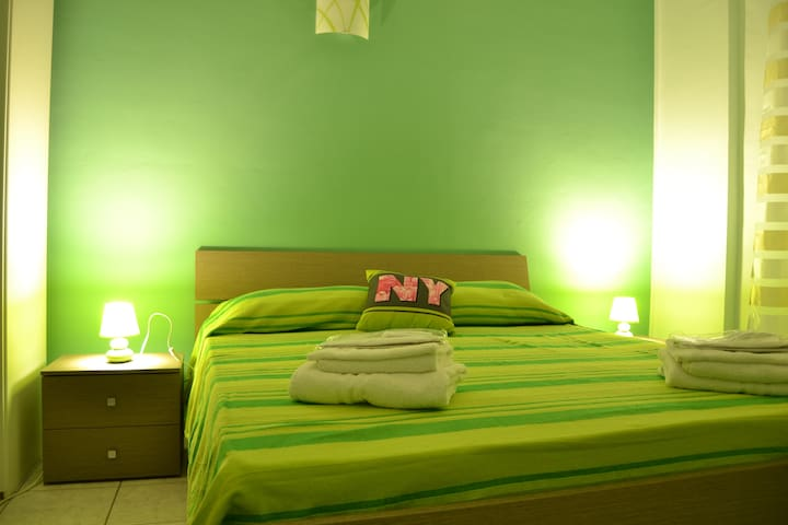 B&B GVS - GREEN ROOM. OFFERTA SPECIALE PASQUA!!! - Trapani - Bed & Breakfast
