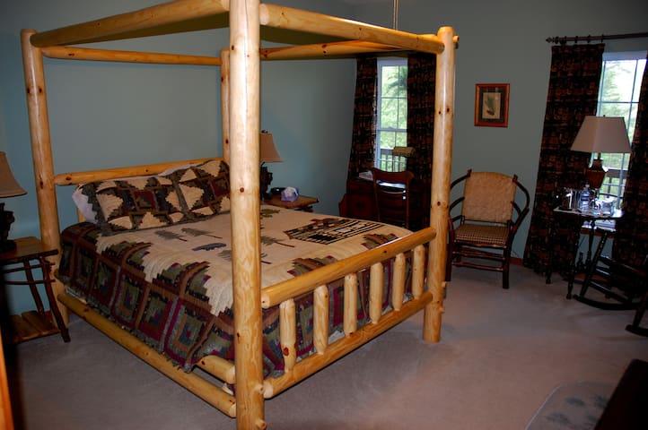 Long Mountain Lodge - Long Mountain Suite