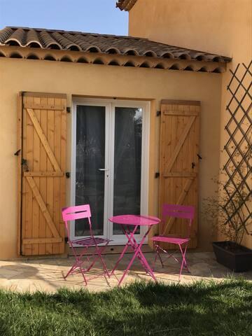 Chambre privée avec piscine et SDB balnéo - Saint-Maximin-la-Sainte-Baume