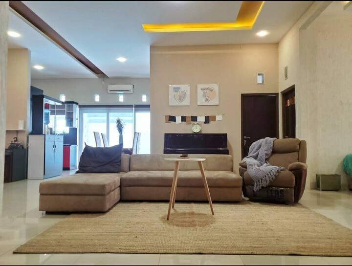 Rumah Kalih @Bandara Ahmad Yani