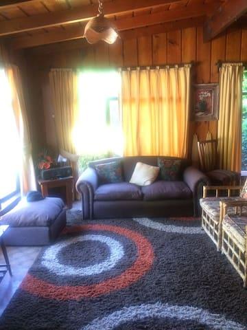 Lican Ray Casa Familiar a metros de la Playa - Villarica - Ev