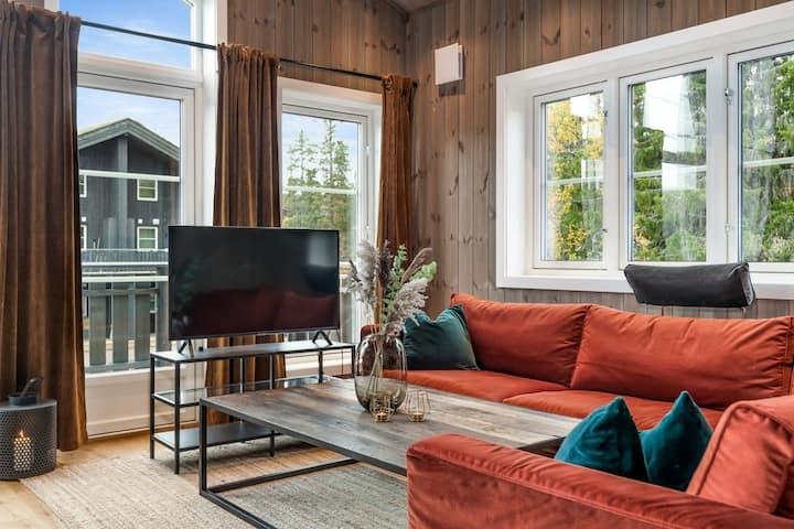 Ny utsiktsleilighet i to etasjer - ski inn/ski ut