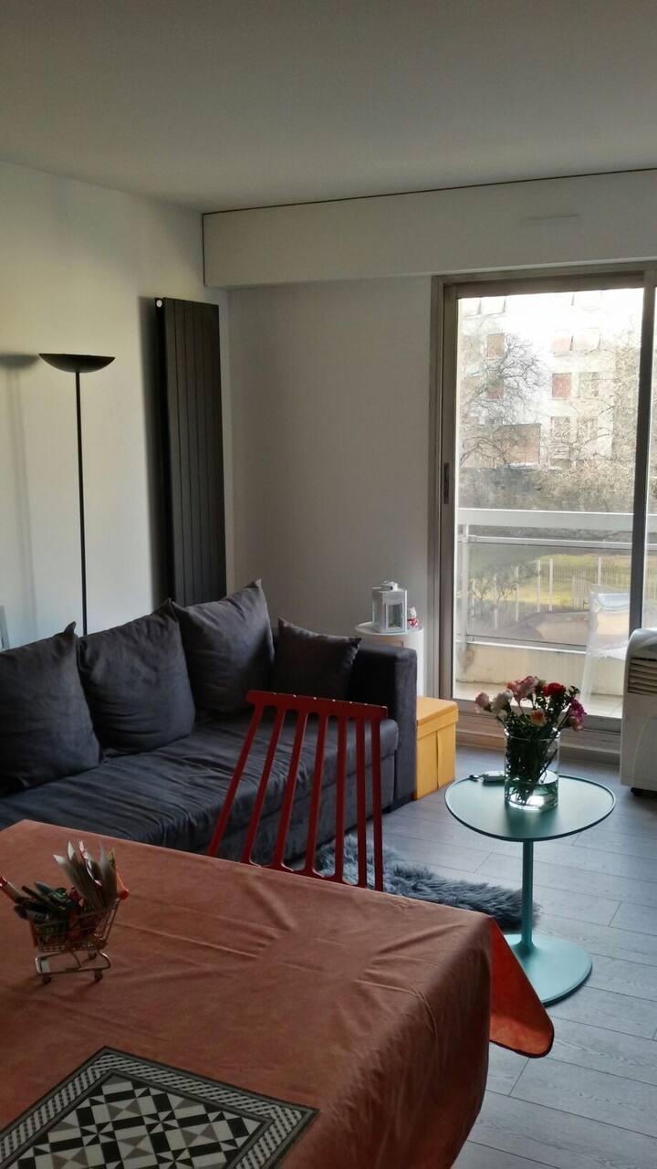 Un canapé-lit au sud de Paris (1 personne)