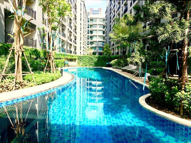 Free Wifi  Newly built condominium at BTS Samrong
