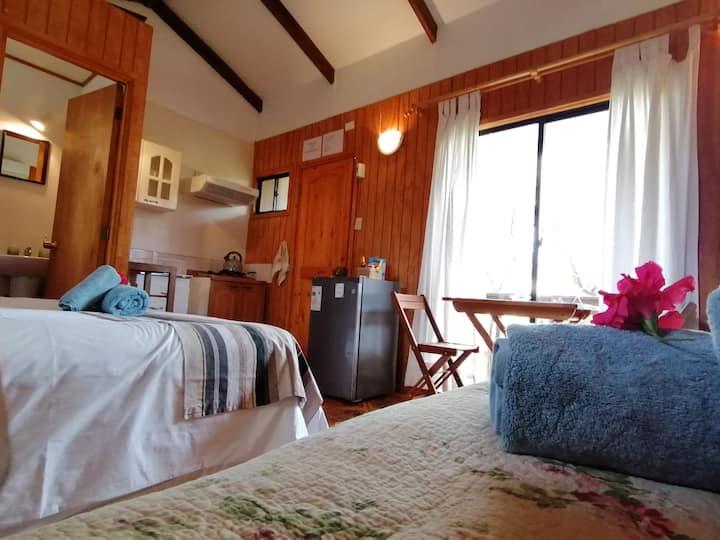 Cozy & Comfortable Tuava Bungalow-Central location