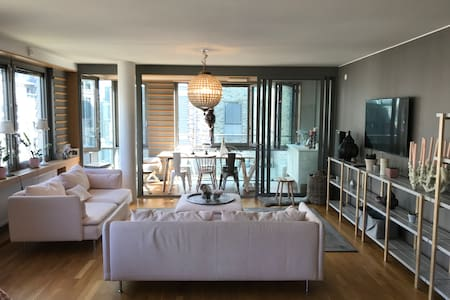 Modern 3 room apartment in city center