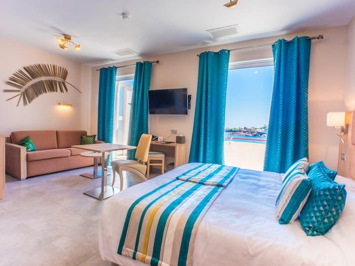 Hôtel  Les Flots Bleus - Chambre Deluxe - vue mer