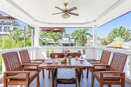 舒适精品别墅,海盐泳池,全海景天台,三卧室,奈函海滩(Villa Thai)