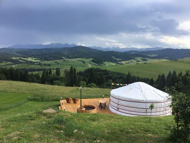 TATRA MOUNTAIN YURTS
