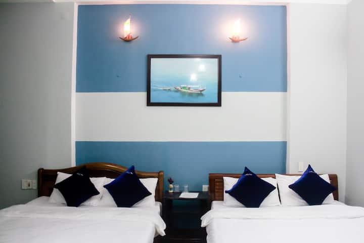 Comfy room with balcony&bathtub-3min walk to beach