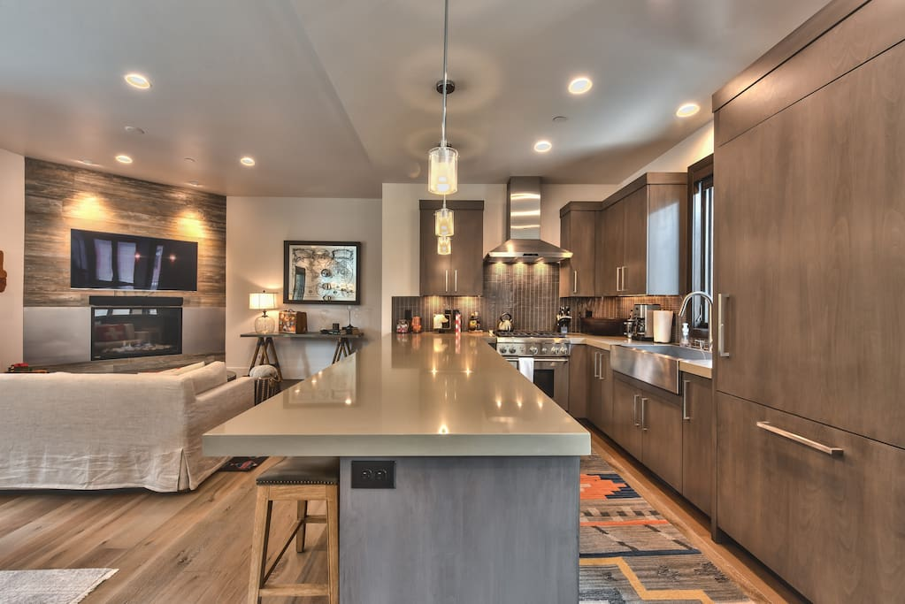 Countertop dining option
