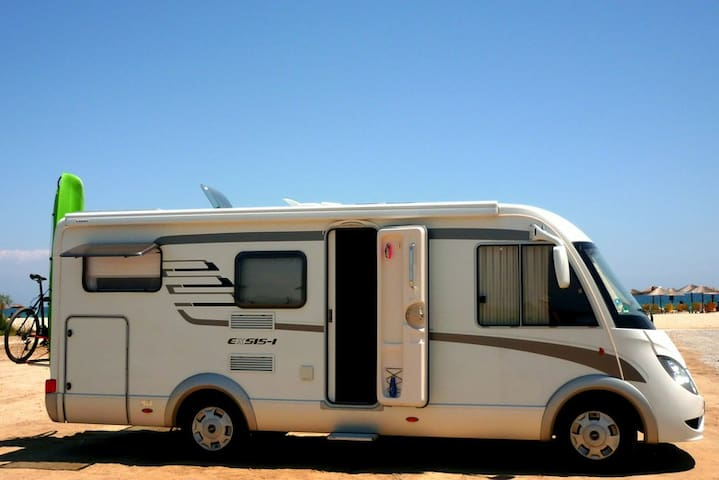 Integrated Camper Hymer, Peremium Packet