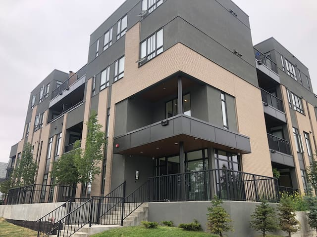 One bed unit near downtown 1510 30 ave SW #109