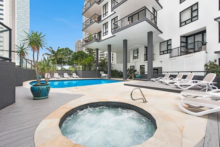 Broadbeach 1-bedroom Resort Apartment