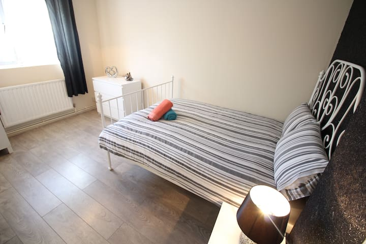 (Mc3) Nice Room next to Bricklane & Spitafields