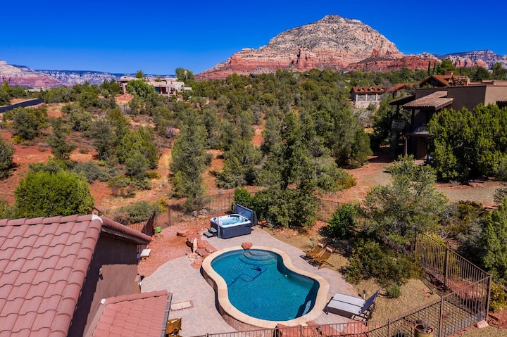 Sedona Dove Wing Knoll-Amazing Red Rock and Sunset Views, Private Pool & Hot Tub