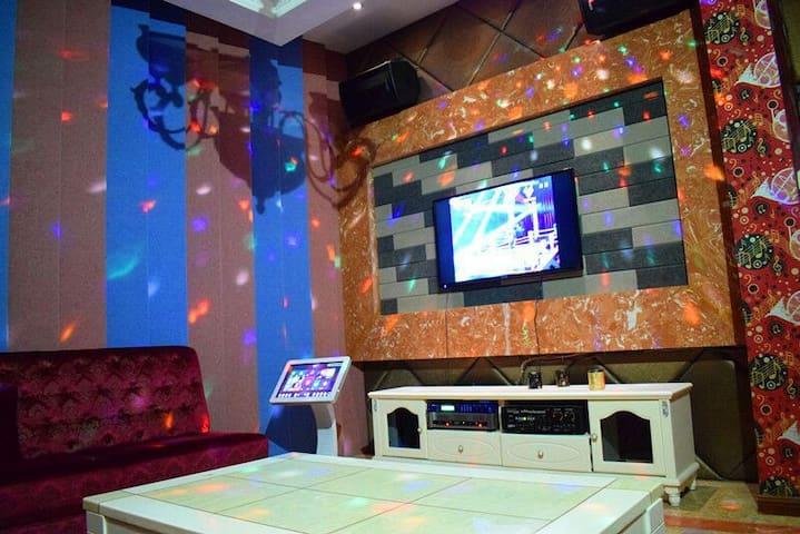 朋友聚会,团队派对、求婚派对,KTV,电影院