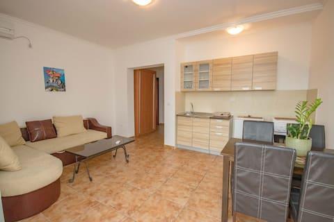 ONE BedRoom Apartment, Buljarica/200m from BEACH