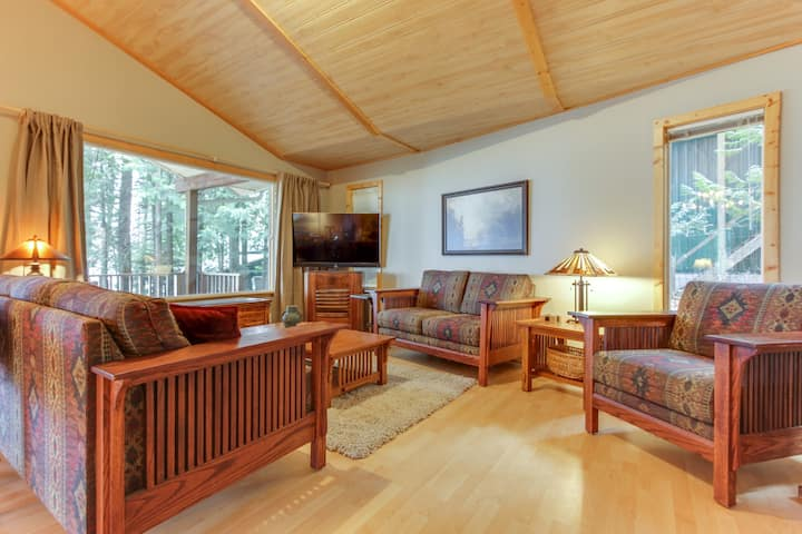 Charming dog-friendly water-front home with private dock and room for everyone